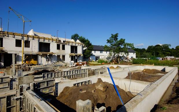 Lipiec-2015.-Fundamenty-i-sciany-fundamentowe-budynku-A.-Technologia-żelbetowa